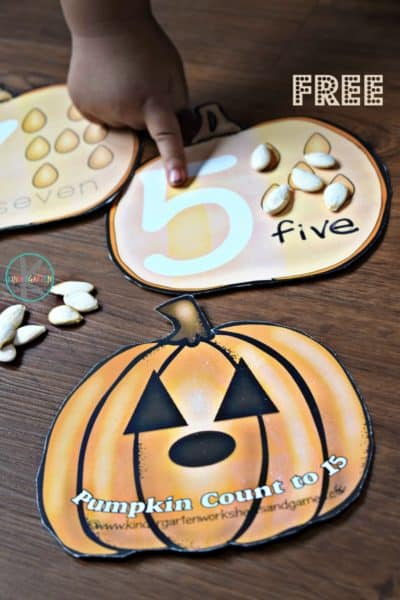Grab these FREE Pumpkin Count to 10 Cards! #fhdhomeschoolers #freehomeschooldeals #fallresources #hsmoms #homeschooling