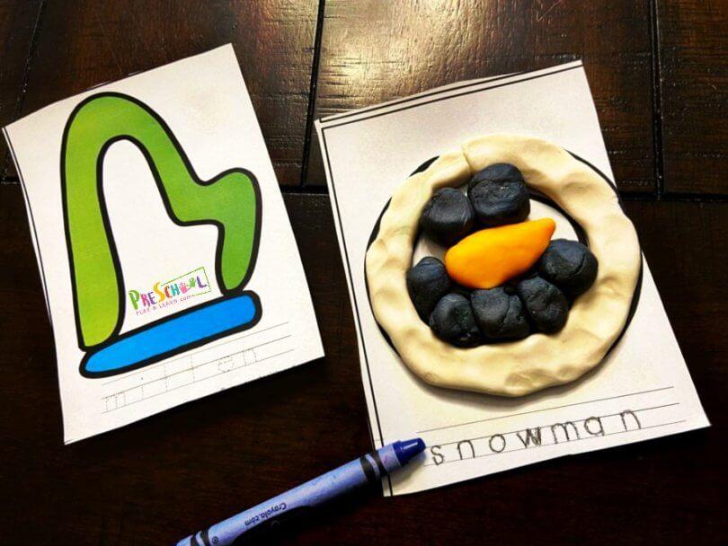 FREE Printable Winter Playdough Cards. #fhdhomeschoolers #freehomeschooldeals #winterplaydoughcards