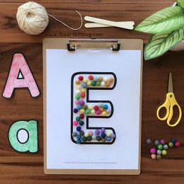 Free Alphabet Template Pages. #freehomeschooldeals #fhdhomeschoolers #learningthealphabet #alphabettemplate #alphabetpracticepages